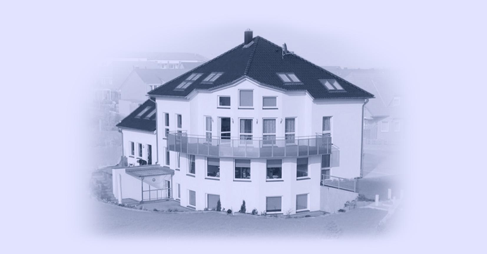 Logo_Teaser_Slide_Hausrückansicht